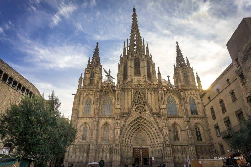 Собор Святого Креста и Святой Евлалии (Catedral de la Santa Creu i Santa Eulàlia)