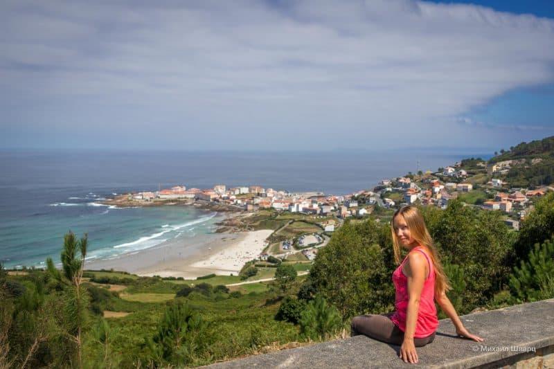 смотровой на пляж Praia de Caión и город Caion