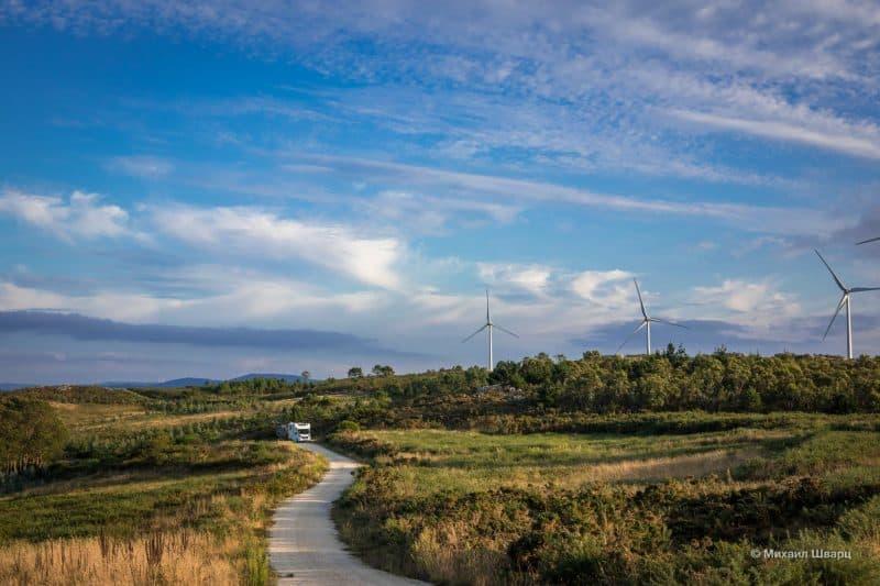 Дорога через ветряки