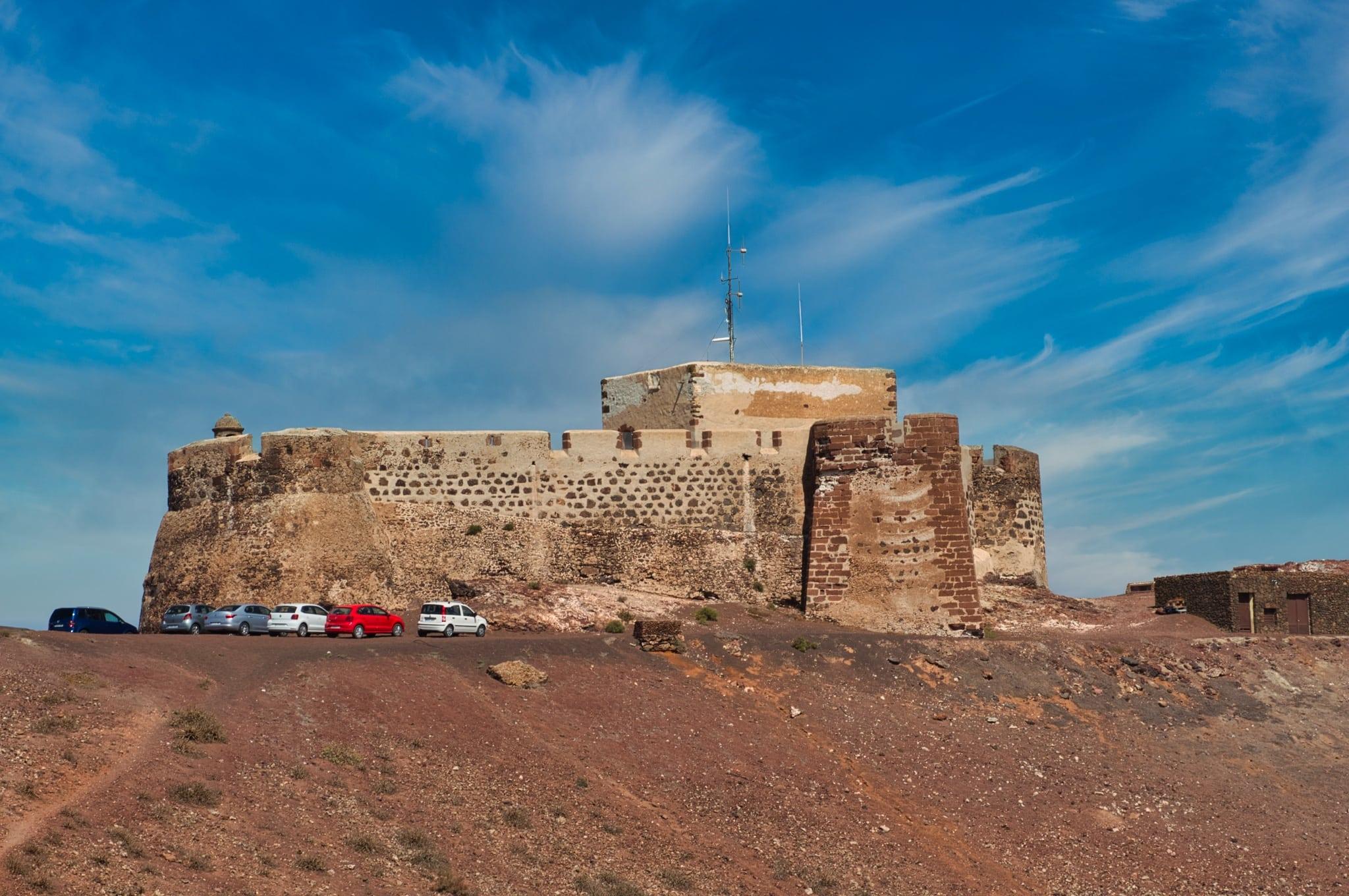 Крепость Санта-Барбара на Лансароте (закрыта)