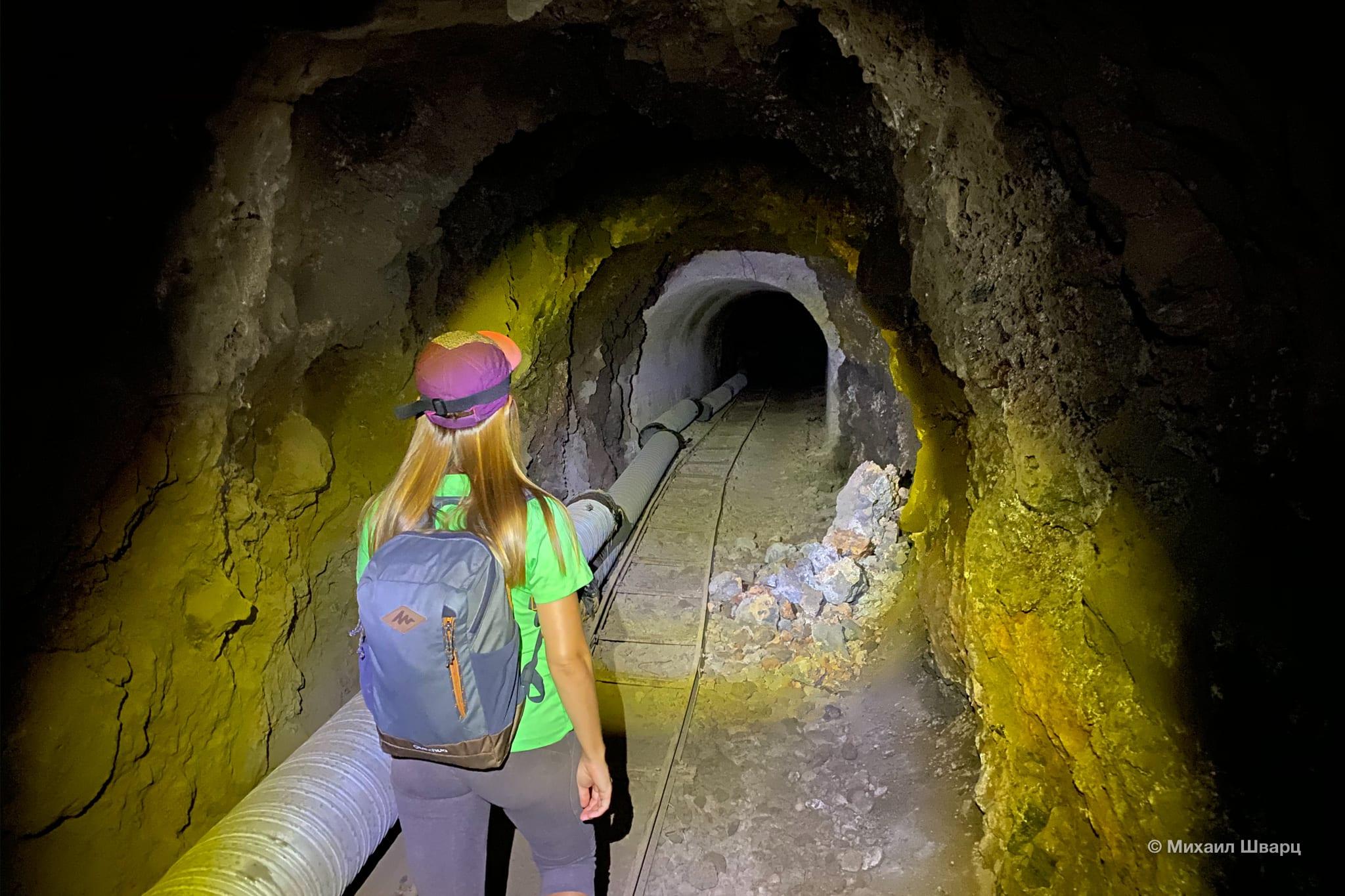 Маршрут через тоннель к пляжу Barranco Seco