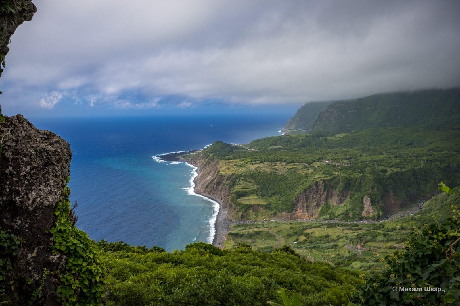Потрясающий вид на океан и горы
