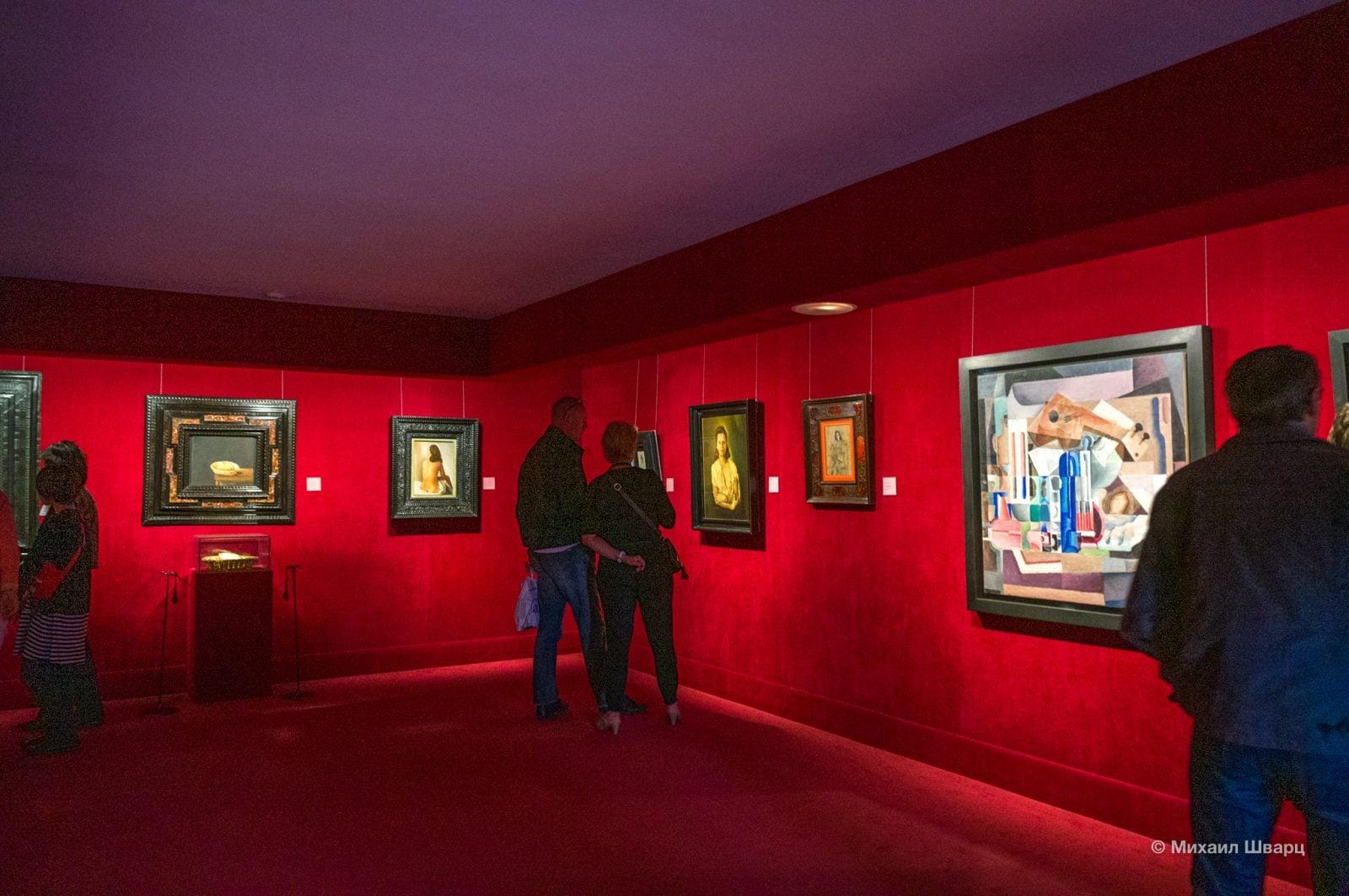 Зал с картинами