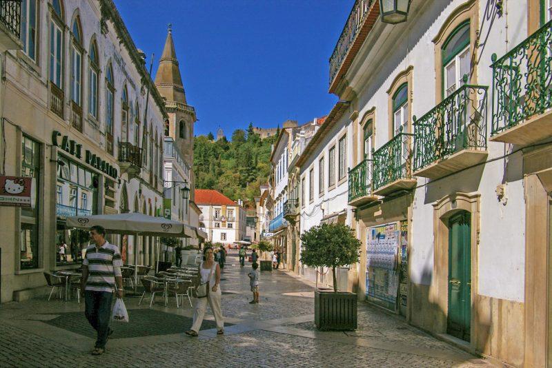 Улица Serpa Pinto