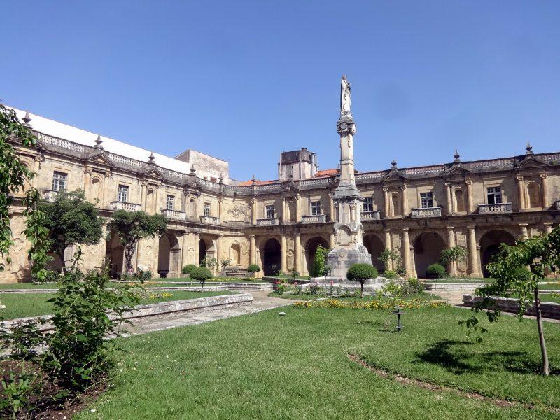 Монастырь Санта-Клара-а-Нова (Mosteiro de Santa Clara-a-Nova)
