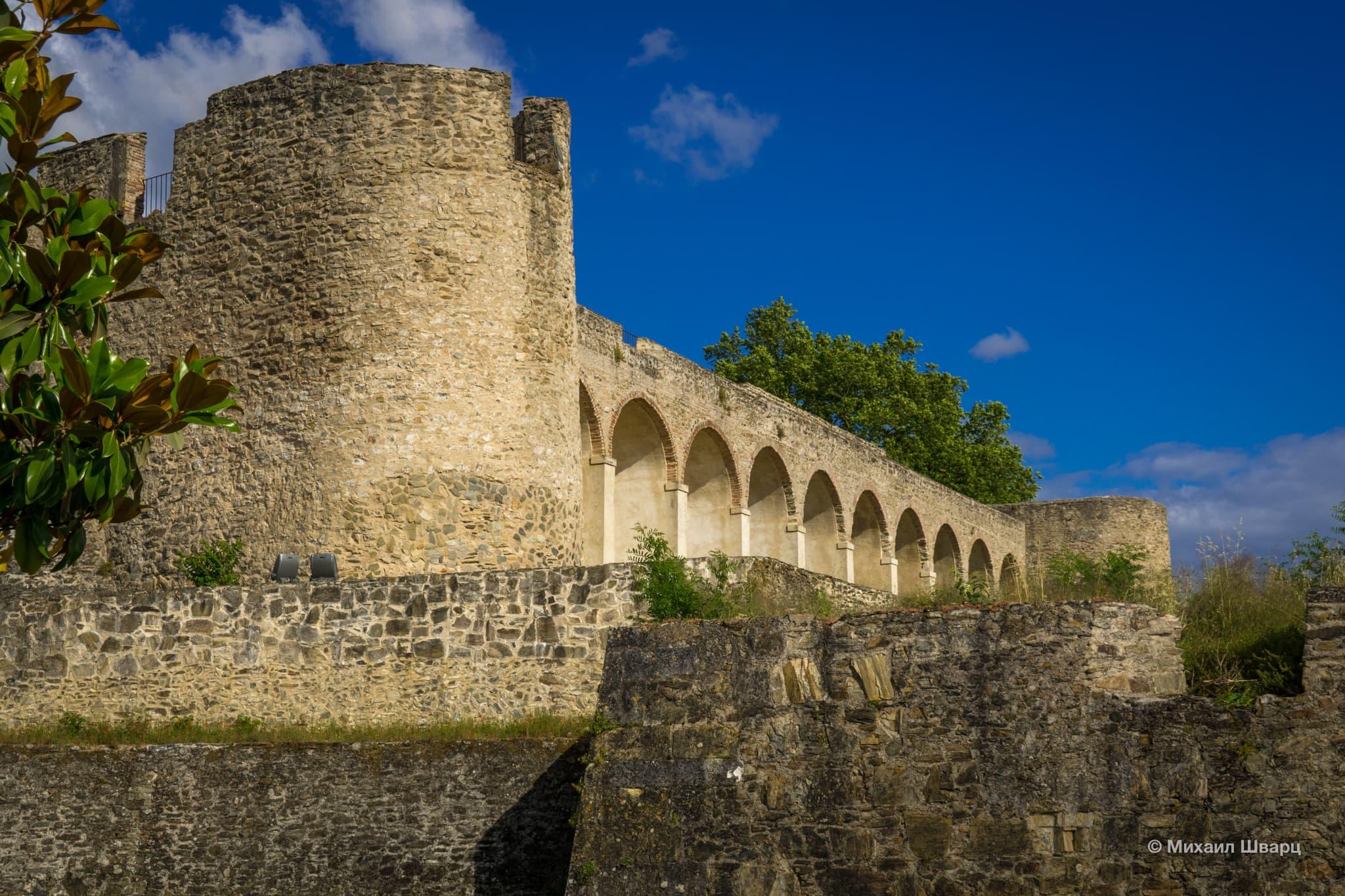 Замок Абрантиш