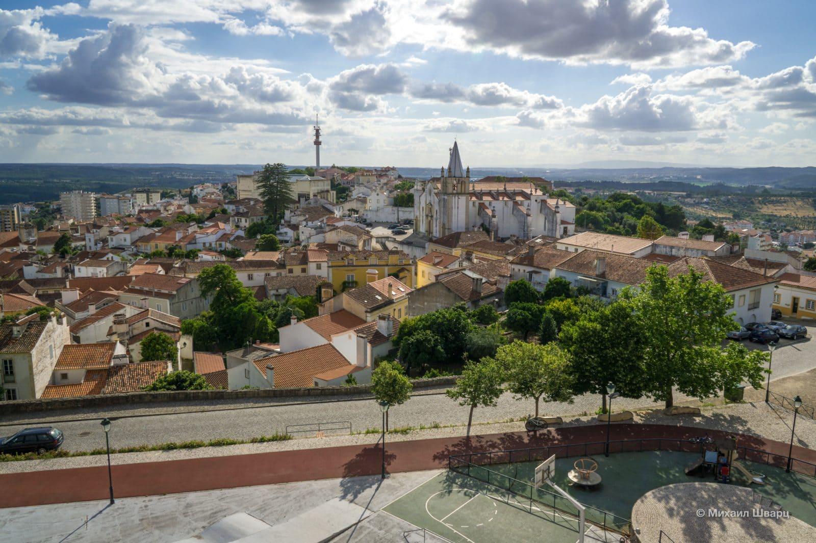 Со стен замка Абрантиш хорошо просматривается город