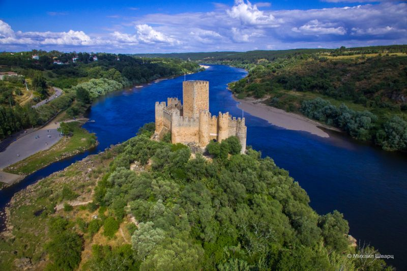 Замок Алмоурол (Castelo de Almourol)