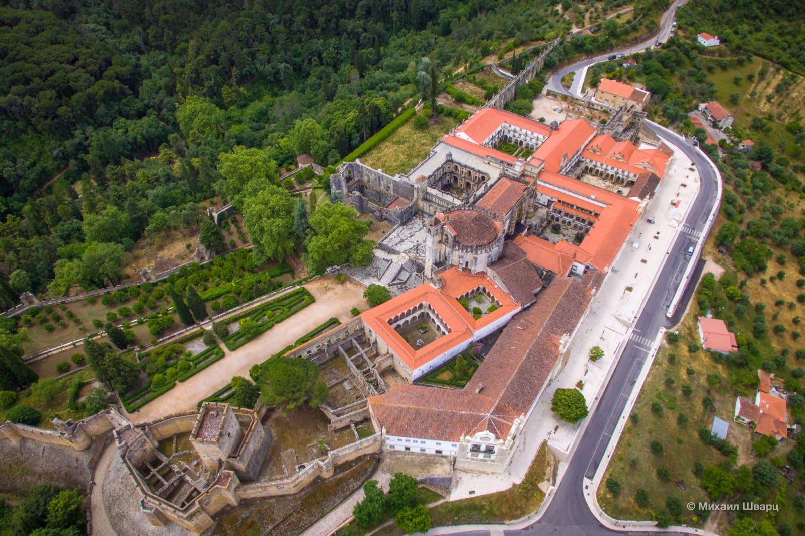 Вид на монастырь сверху