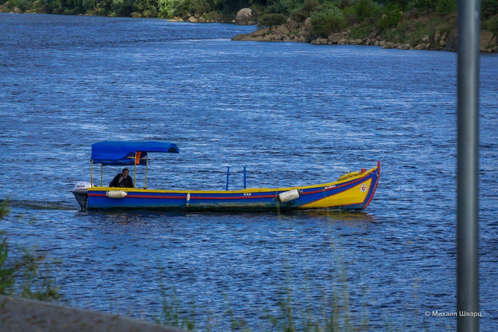 На таких лодках перевозят