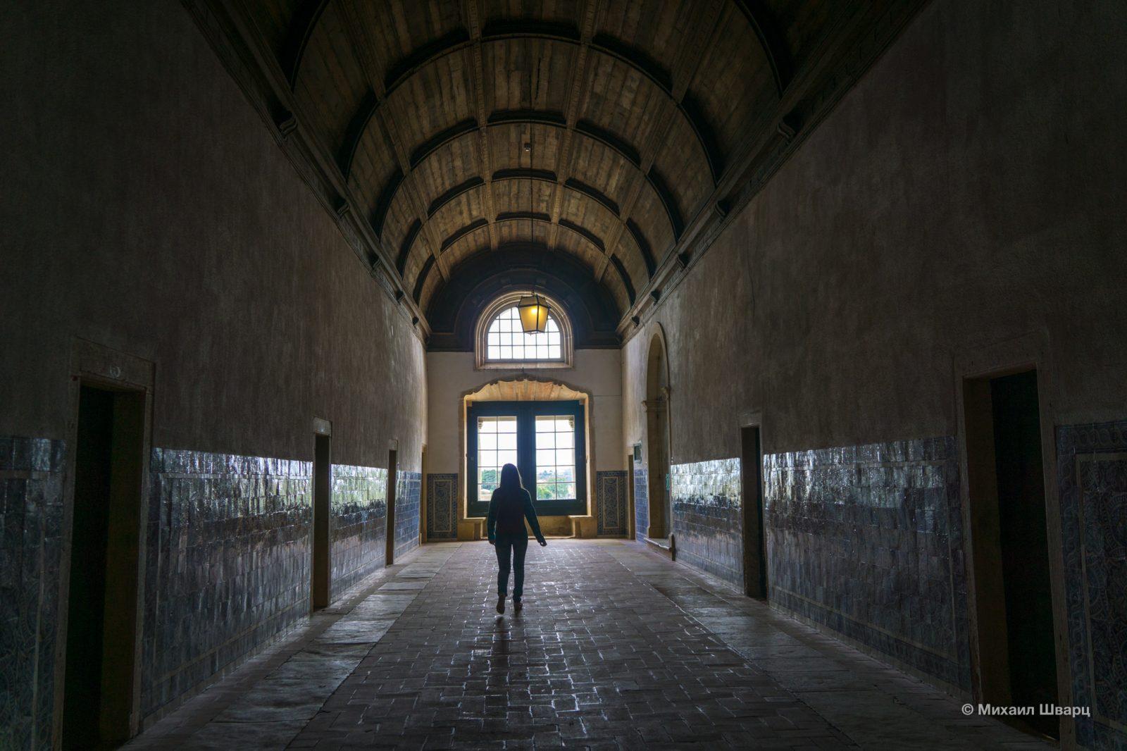 Кельи и жилые помещения монастыря достаточно аскетичны