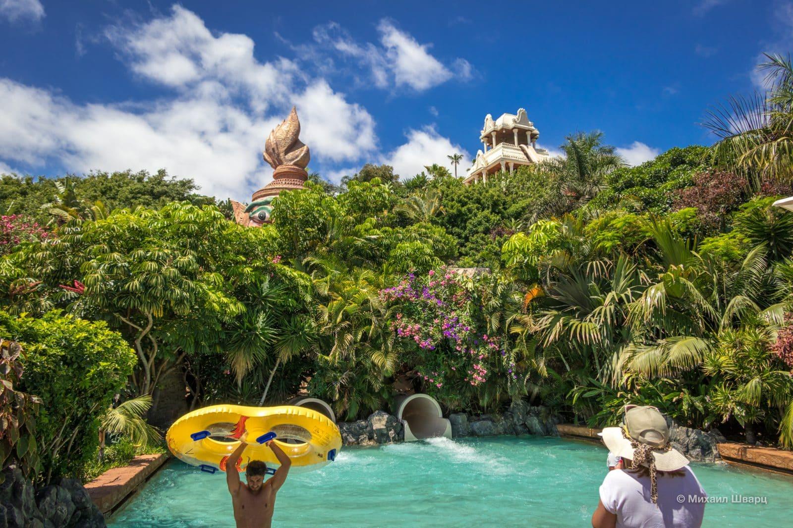 Тайская тематика присутствует повсюду в этом «водном королевстве»